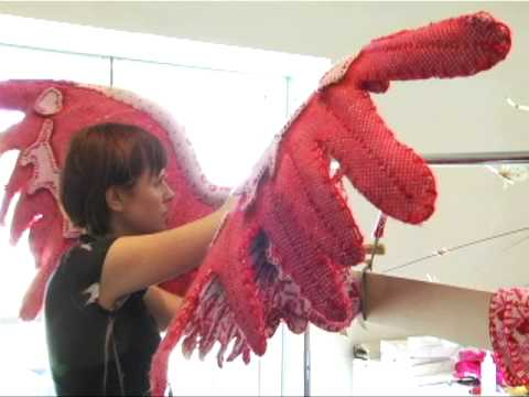 Creating the famous Victoria's Secret Angel wings – P2
