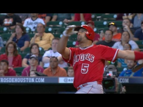 LAA@HOU: Pujols hits a solo home run to left field