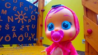 크레이 베이비와 케이티 Katy play with cray baby in playground by SWEET KATY
