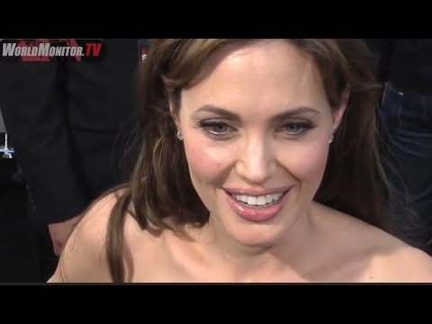 Angelina Jolie and Brad Pitt super hot, interviewed at  SALT  Premiere