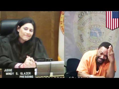Судья и обвиняемый узнали друг в друге бывших одноклассников