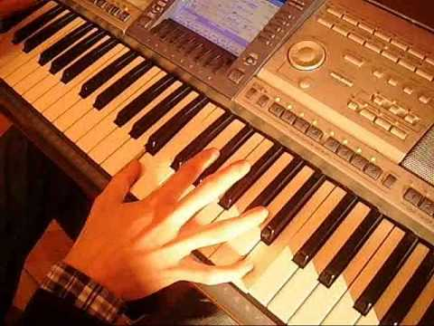 Weekend - Ona Tańczy Dla Mnie Keyboard Cover
