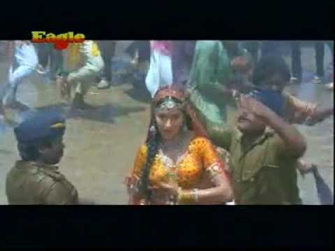 madhuris choli dance in rain-Thanedar