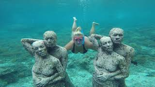 Gili Islands: Explore Gili T, Meno & Air! Snorkel with turtles, underwater statues & bike ride!