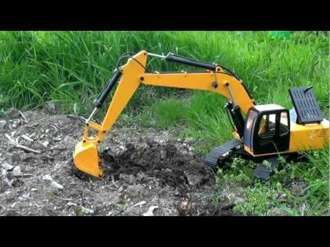 油圧ショベルで掘削(Bagger  excavator)