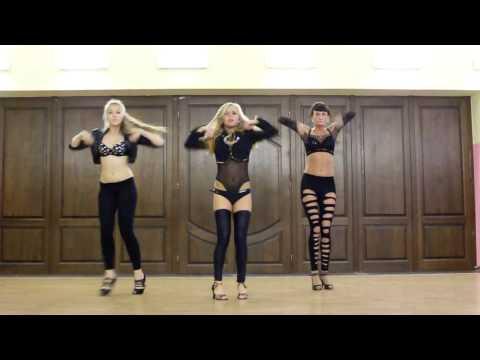 Красивые GO GO танцовщицы
