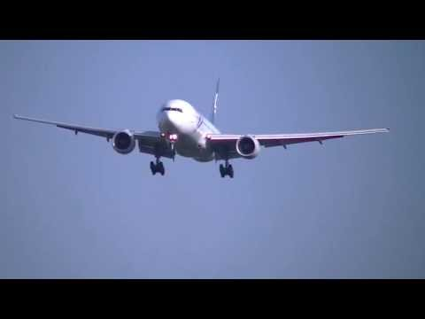2013/04/28  Air New Zealand ZK-OKF  777-219/ER NRT/RJAAに着陸