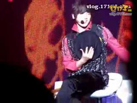 (Better Quality) Shinhwa Minwoo Dance 14- 081231 Dancing to Nobody, Crazy, U-go-girl, Wa