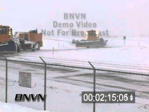 3/16/2006 Aviation Winter Weather Video. Airplane Go Around Stock Video