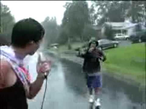 Live From Hurricane Isabel.flv