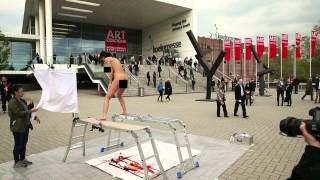 "The ""PlopEgg"" Painting Performance #1 (Art Cologne 2014)"