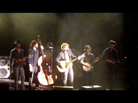 "Dierks Bentley ""Dukes of Hazzard"" Theme song Reading, PA 3/26/2011"