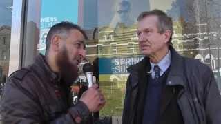 British Engineer Converts From Christianity To Islam ! 'LIVE' Street Dawah