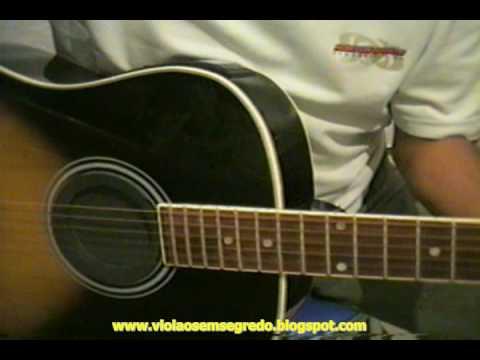 Aprenda a afinar o seu violão sozinho(a)