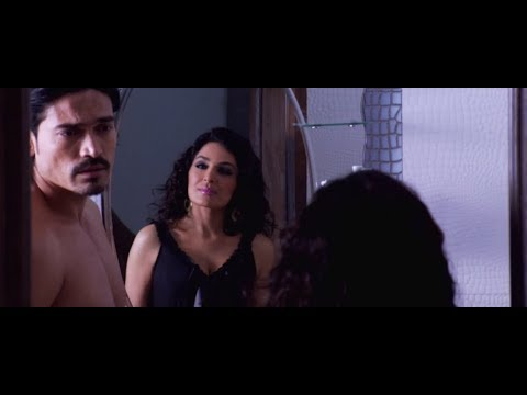 Soniya Tries To Seduce Vikram - 5 Ghantey Mien 5 Crore