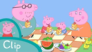 Peppa Pig Episodes - Daddy Pig, the wasp and the ducks (clip) - Cartoons for Children