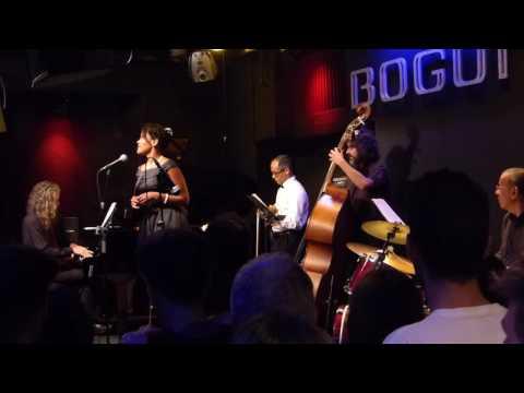 Billie Holiday - Riffin
