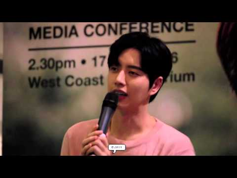 160417 Park Hae Jin Media Conference In Singapore (8)