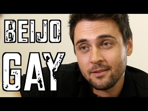 Beijo Gay - DESCONFINADOS