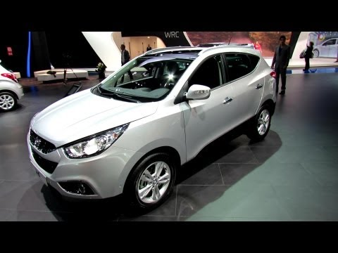 2013 Hyundai ix35 CRDi Premium Limited AWD - Exterior and Interior Walkaround - 2012 Paris Auto Show