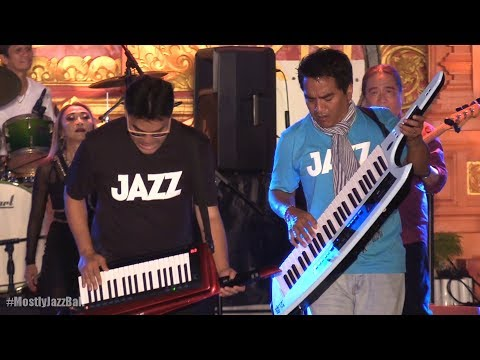 Krakatau Reunion - Seraut Wajah @ Sanur Village Festival 2017 [HD]