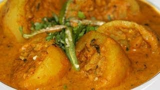 Stuffed dum aloo (Stuffed baby potatoes cooked in red curry) by crazy4veggie.com