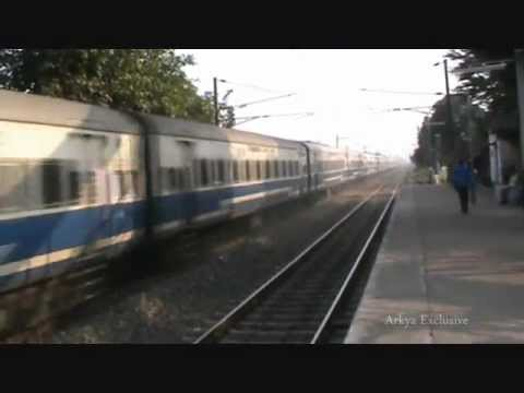 A Tale Of Triple Wap-4s' Rampages:: Patna Jan Shatabdi Vs Ananya Vs Gurumukhi video