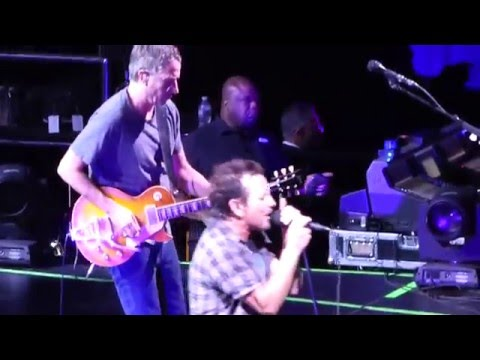 Pearl Jam - In Hiding - New York City (May 1, 2016)
