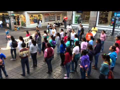Como parte de la #AccionGlobalporAyotzinapa sindicatos y alumnos marcharon en Cuernavaca.