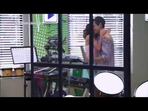 Violetta 2 - León y Violetta regresan (02x12)