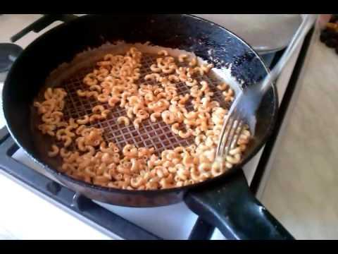 Как пожарить макароны - видео