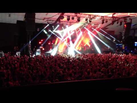The Stone Roses - I Am The Resurrection (Live at Festival Hall, Melbourne 7/03/2013)