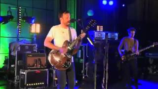 Kings Of Leon Supersoaker (BBC Radio 1 Live Lounge 10/09/2013)