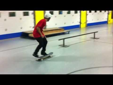 Micky Papa - Kickflip Feeble 360