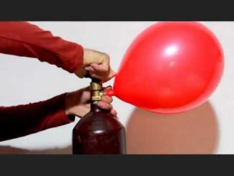 Надуваем гелием шарики в домашних условиях