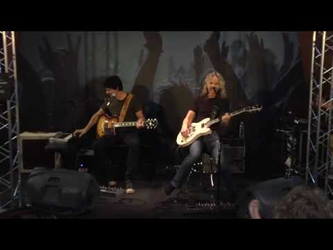 Tommy Shaw plays the VOX Virage; Live from NAMM 2010