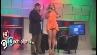 Masa le agarra el pene, los senos y el trasero a Mia Cepeda.flv