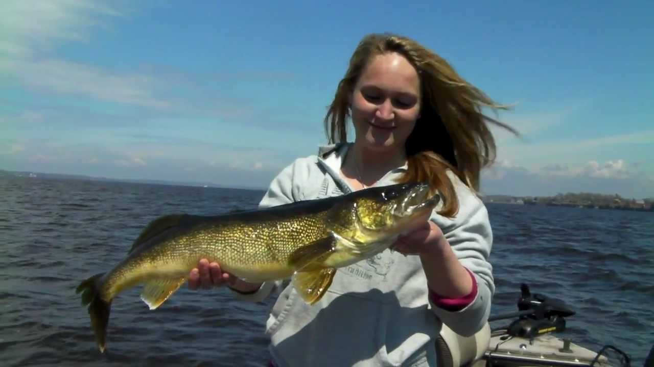 Trophy walleye fishing black river bay new york youtube for York river fishing report
