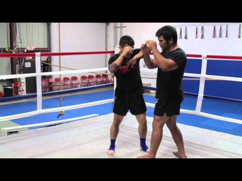 Horizontal Elbow | Naples Muay Thai Kickboxing Image 1
