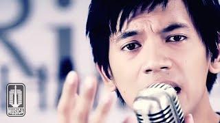 download lagu D'masiv - Kau Yang Ku Sayang gratis