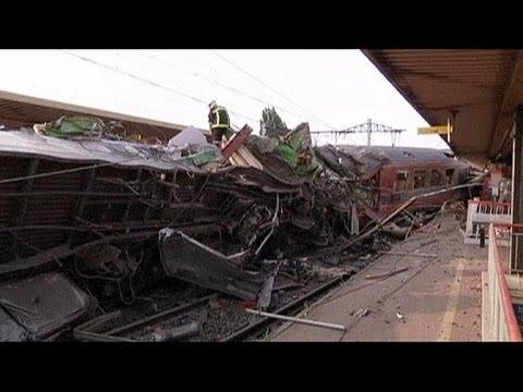 French President François Hollande visits Brétigny train crash