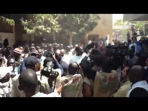 Arrivée de Abdoulaye Wade dans son centre de vote