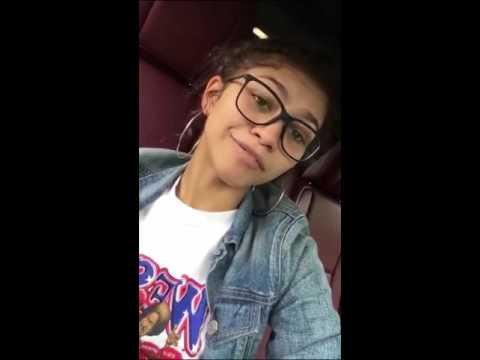 Zendaya got her car stuck/snapchat story
