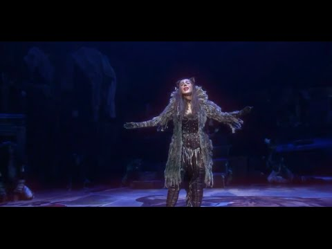 Leona Lewis as Grizabella singing 'Memory' (CATS)