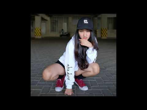 Aisyah Jamilah ✓ Sandrina Feat Iva Lola