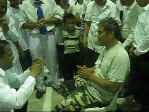 Jmcim Meycauayan Crusade (april 2, 2010) ~ Crippled Man Healed!!! video
