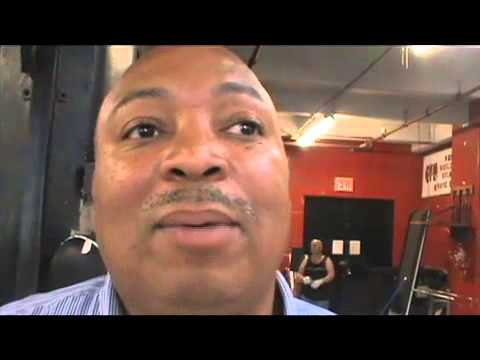 Tim Smith thinks Floyd Mayweather would KO Adrien Broner in 8