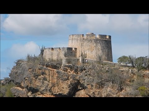 Historic WW1 / WW2 Fort Beekenburg - Curaçao 2016