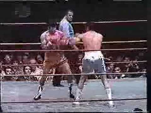 Pipino Cuevas vs. Miguel Angel Campanino Video