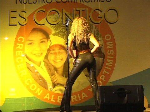 Noelia Quiroz Doble de Shakira Chilena